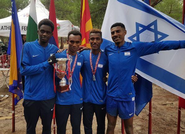הנבחרת מתחת לגיל 23 (מימין לשמאל): בוקיאו מלדה, שמואל אבוהאיי, איילה גשאו וסמי עבדול ג'אבר