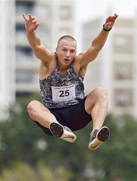 שיא אישי ב-110 משוכות ותוצאת השנה ברוחק לא עזרו הפעם (צילום: טיבור יגר)