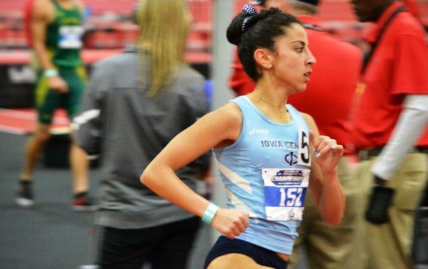 כהן השלימה את המשימה וזכתה בארבע מדליות זהב אישיות וקבוצתיות (צילום מדף הפייסבוק של מכללת מרכז איווה)